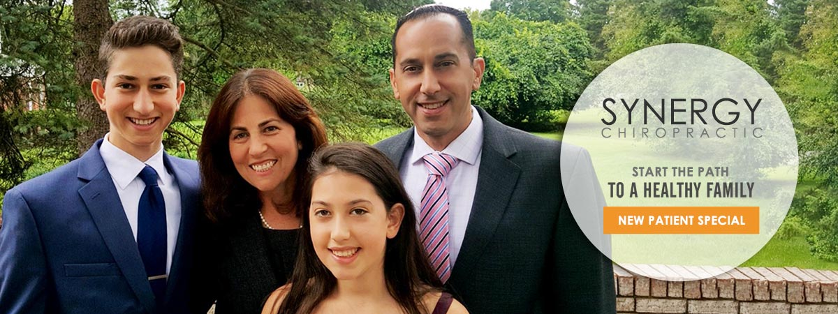 Chiropractor West Bloomfield MI Eric Mintz With Family